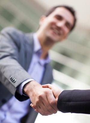 Choisir son prestataire d'entretien : tous les critères essentiels